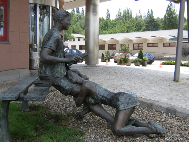 памятник проститутке в праге на карте