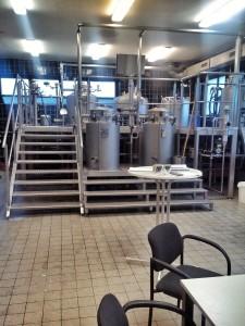 Учебная пивоварня внутри