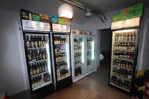 Пивотека ЖижкОфф. Холодильники с пивом